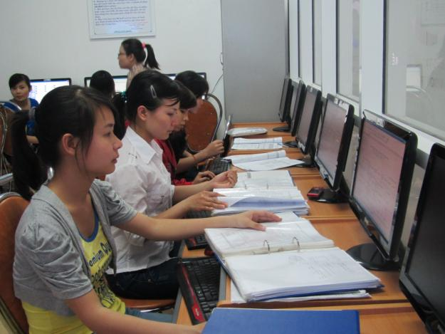 Lớp học kế toán cho sinh viên mới ra trường