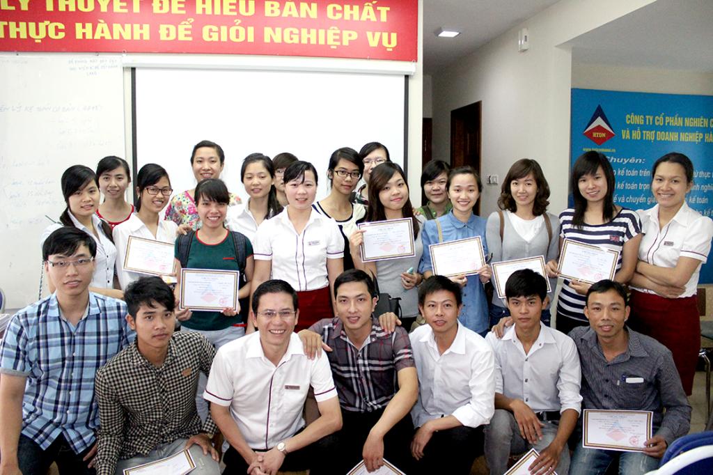 Lớp học chứng chỉ kế toán tại Long Biên